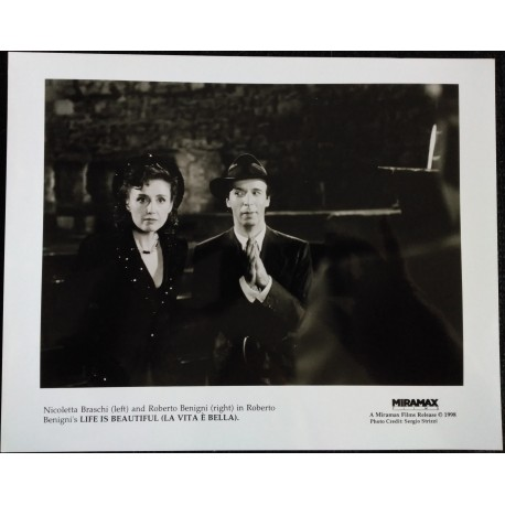 LA VIE EST BELLE - Photo presse - 1997 - Roberto Benigni, Nicoletta Braschi